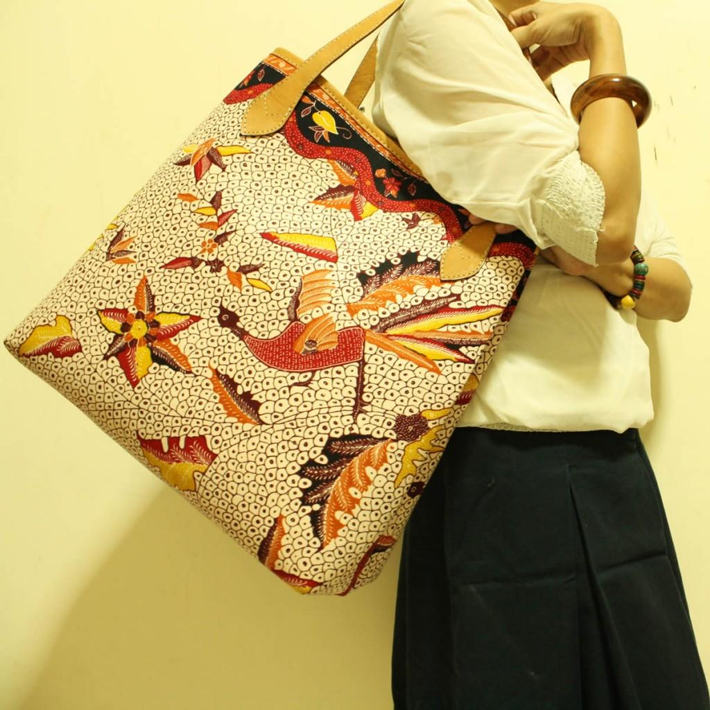 Utari Floral Peacock Shopper Bag